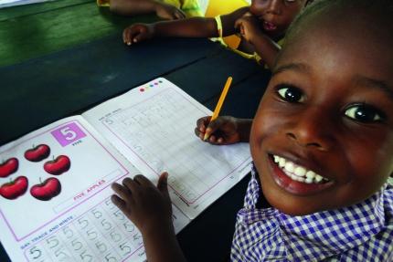 Weihnachten_Ghana_Projekt_Kind.jpg