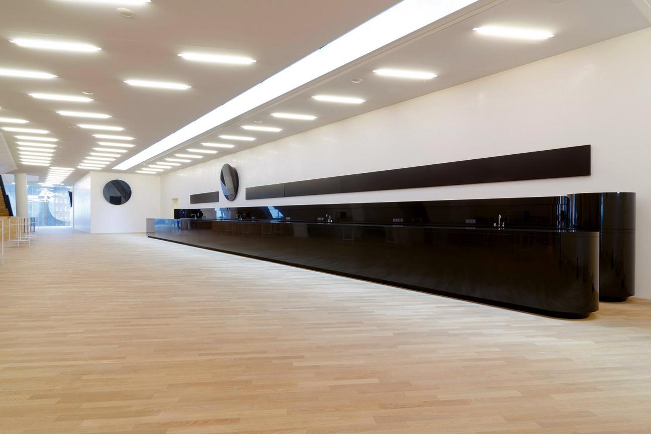elbphilharmonie hamburg 20 theken aus corian hasenkopf. Black Bedroom Furniture Sets. Home Design Ideas