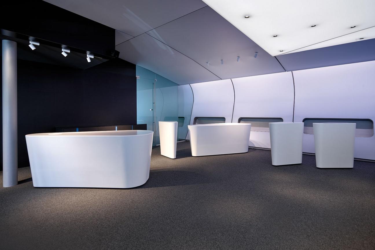 weiße Corian-Theken im Terminal V