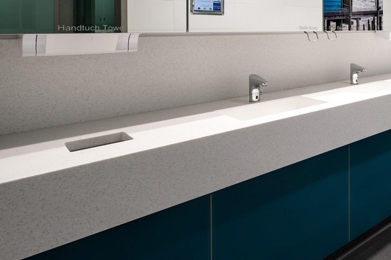 Hasenkopf-Projekt-Terminal2-Muenchen-Becken-Waschtische-Sanitaer.jpg