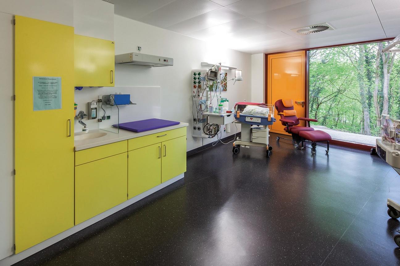 Becker Krankenhaus Mineralwerkstoff Waschtisch
