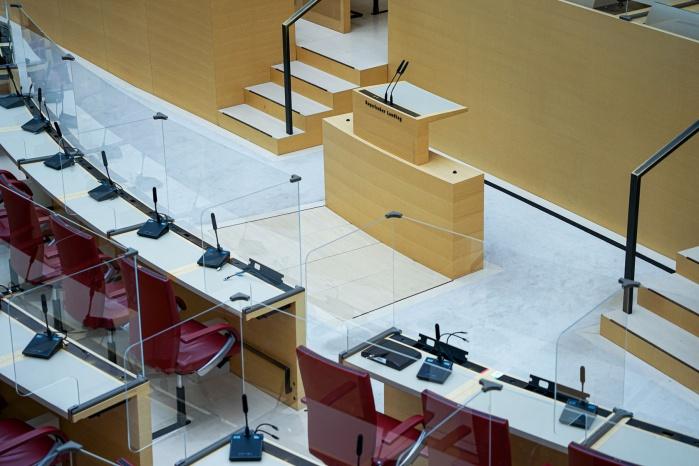 Acrylglas-Trennwände im Landtag
