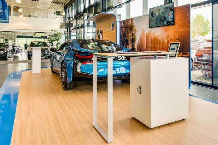 Corian-Möbel für BMW Ladenbau