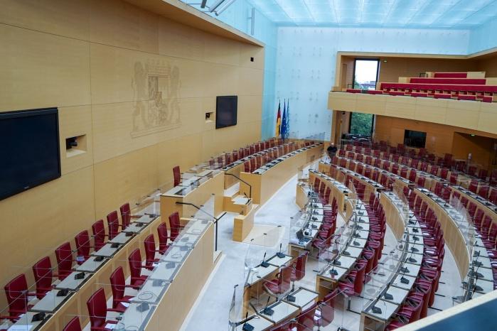 Plenarsaal mit Trennwandsystem von Hasenkopf