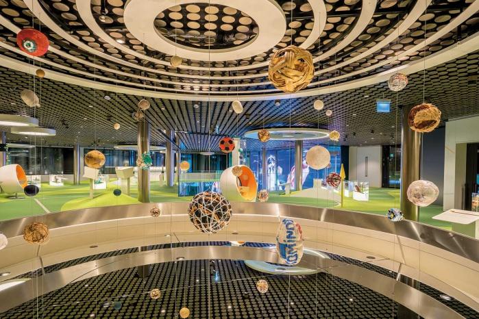 Hi-Macs Innenausbau im FIFA Museum