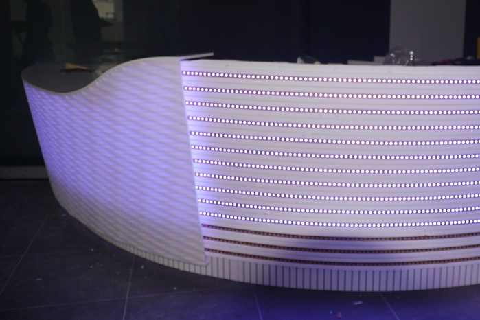 homogene Theken-Hinterleuchtung mit LED-Technik