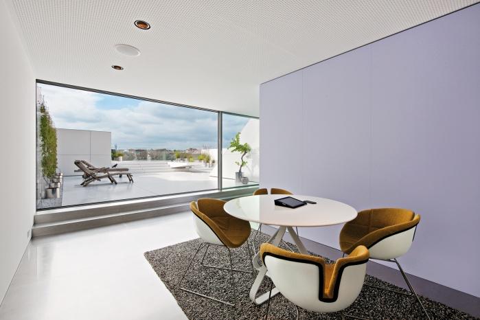 TS11 Design-Wohnung mit Corian-Dachterrasse