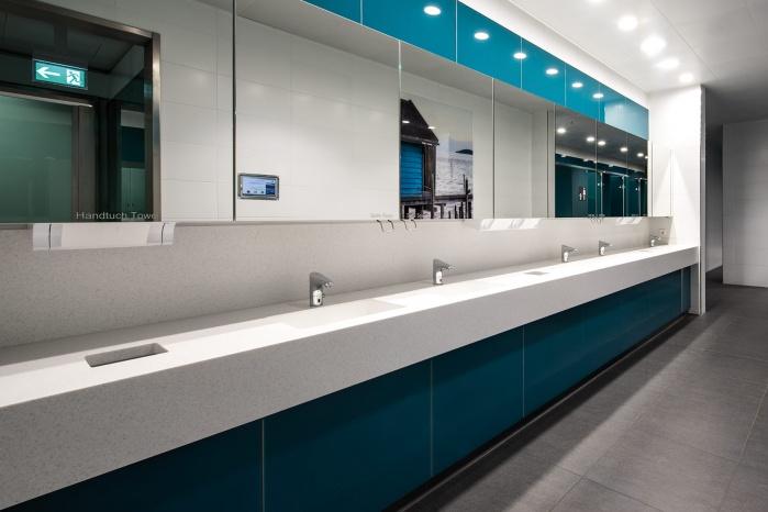 Corian Waschtische im Münchner Flughafen