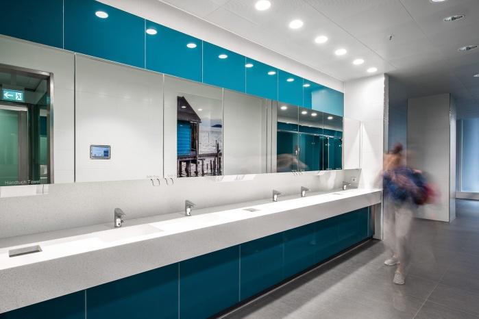 Corian-Waschtische im Terminal 2 München