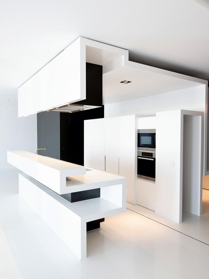 CORIAN-Design-Küche in Schwarz und Weiß