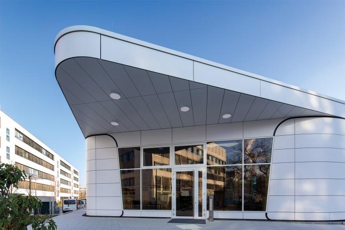 BI Cube Solid Surface Fassade Vordach
