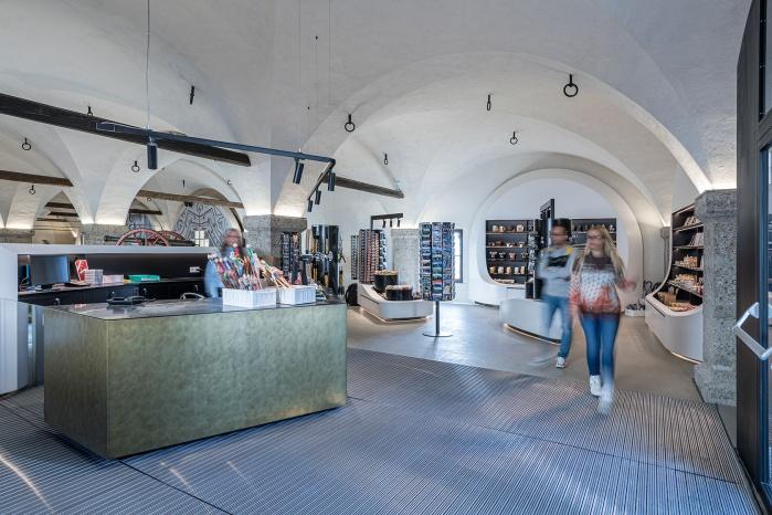 Kassa-Theke im Museumsshop