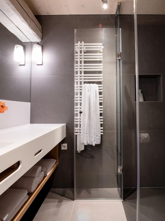 Badezimmer im Hotel Thalmair