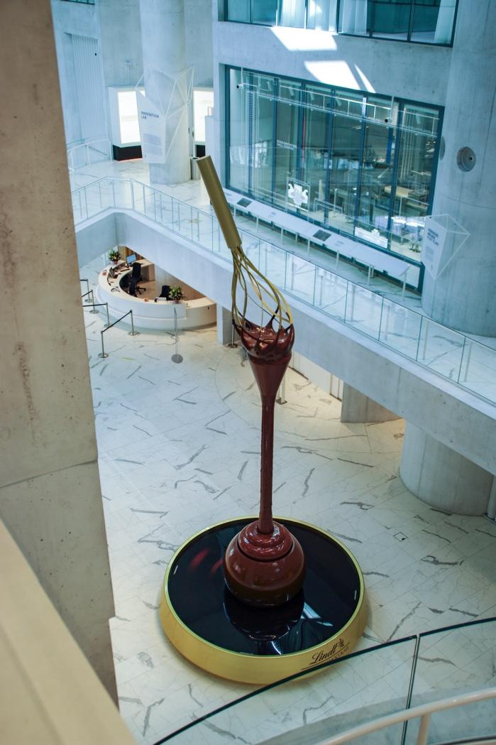 Lindt-Home-of-Chocolate-Theke-Hasenkopf-Becken-Christ-Gantenbein-Design.jpg