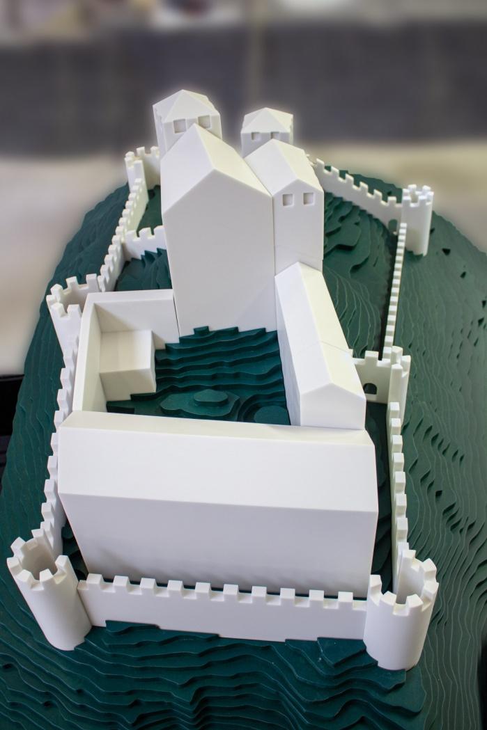Museum-Burg-Heinfels-Ausstellung-Hasenkopf-Magazin-Projekte-Mineralwerkstoff-Corian-Glacier-White.jpg