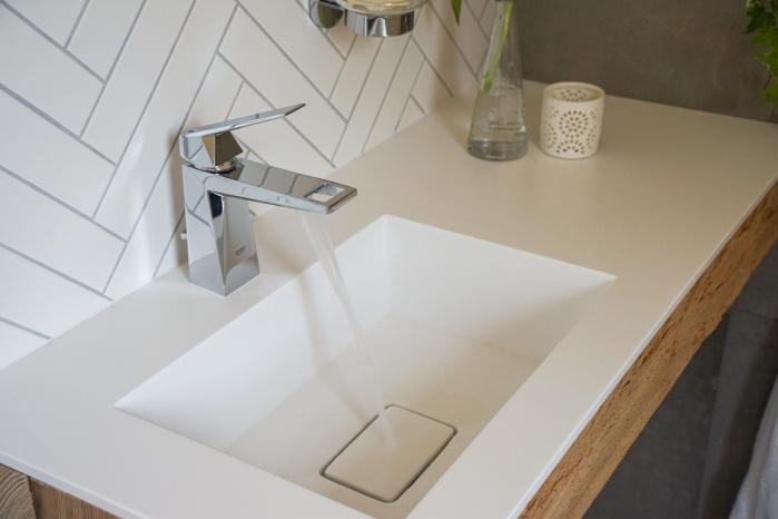 Zulieferteile-Hasenkopf-Badezimmer-Gaestebad-Waschtisch-Grohe-Armatur-detoms-Fotografie-.jpg