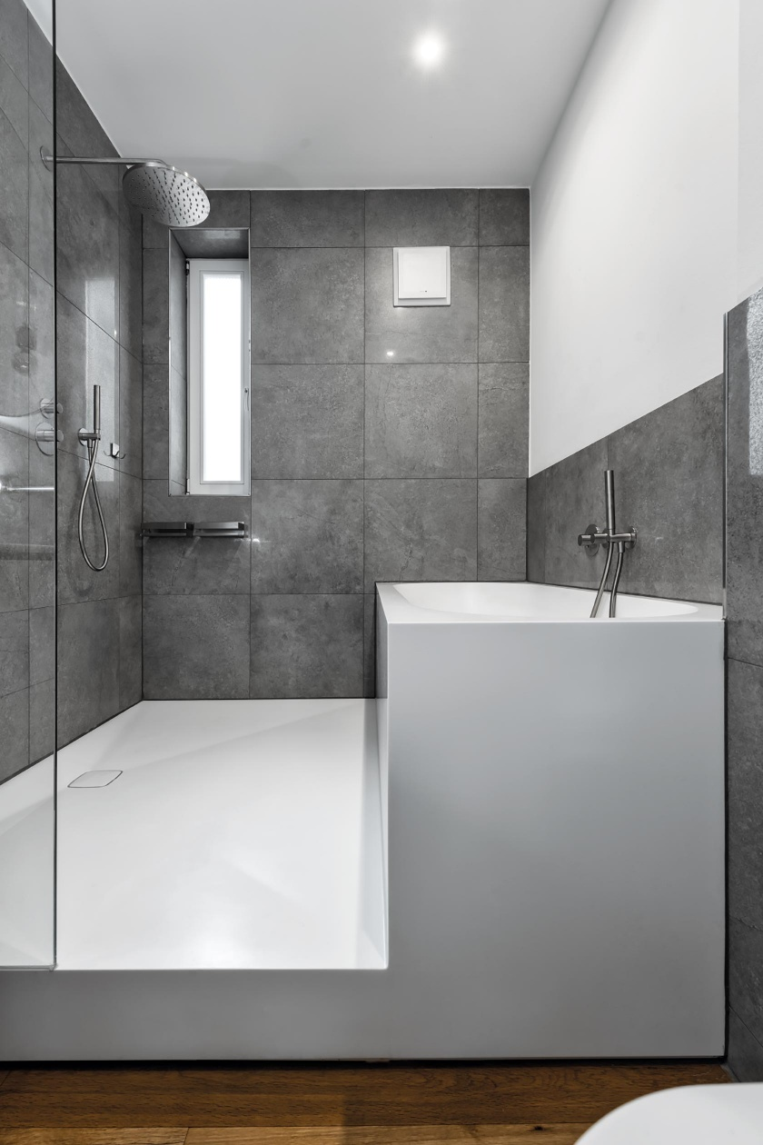 Badezimmer-Flottbeker-Zwillinge-Hamburg-Hasenkopf-Magazin-Projekte-Partner-Dusche-Badewanne-fugenlos-Block.jpg