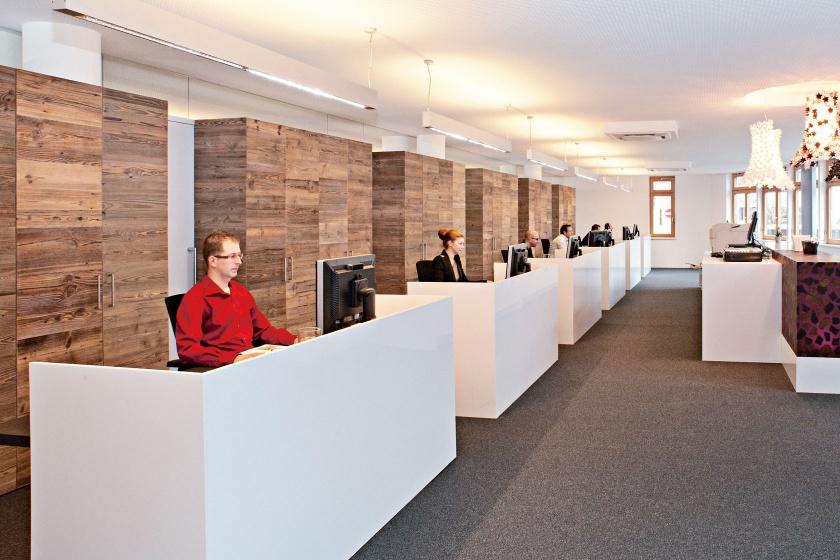 Hasenkopf-Koeck-Bachler-Parapan-Schreibtischverkleidungen.jpg