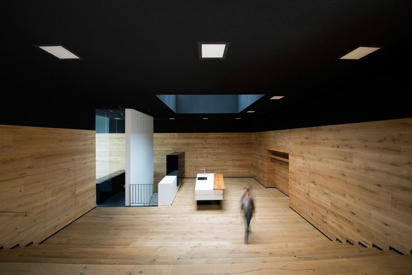 Hasenkopf Neubau mit Holz, Corian, Parapan