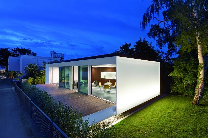 Hasenkopf Projekt Aktivhaus B10 mit Küche und Bad aus Corian