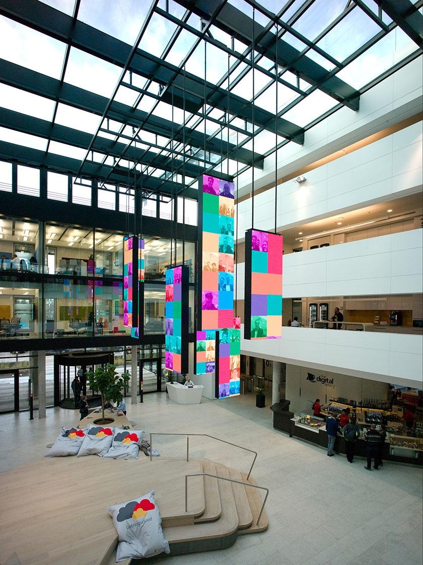 Wandverkleidung in der Microsoft Zentrale