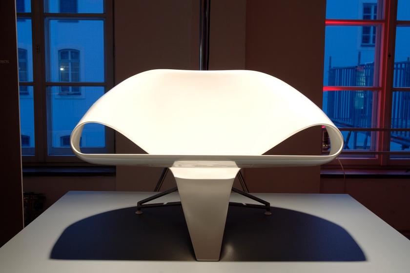 Sessel »Serpente« nach Entwurf von Designer Roman Delugan
