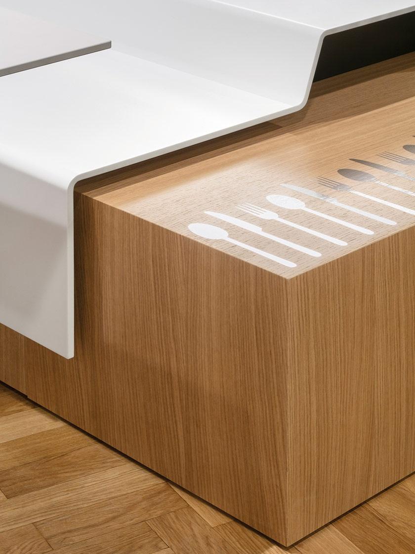 Sitzbank-Auflagen in schwebender Optik