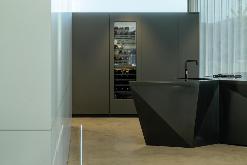 Kueche-Brueckner-Architekten-Hi-Macs-Showkueche.jpg