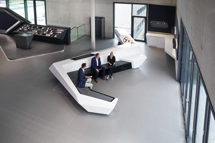 Sitzmoebel-Novem-Car-Interior-Design-fugenlose-Moebelfertigung.jpg